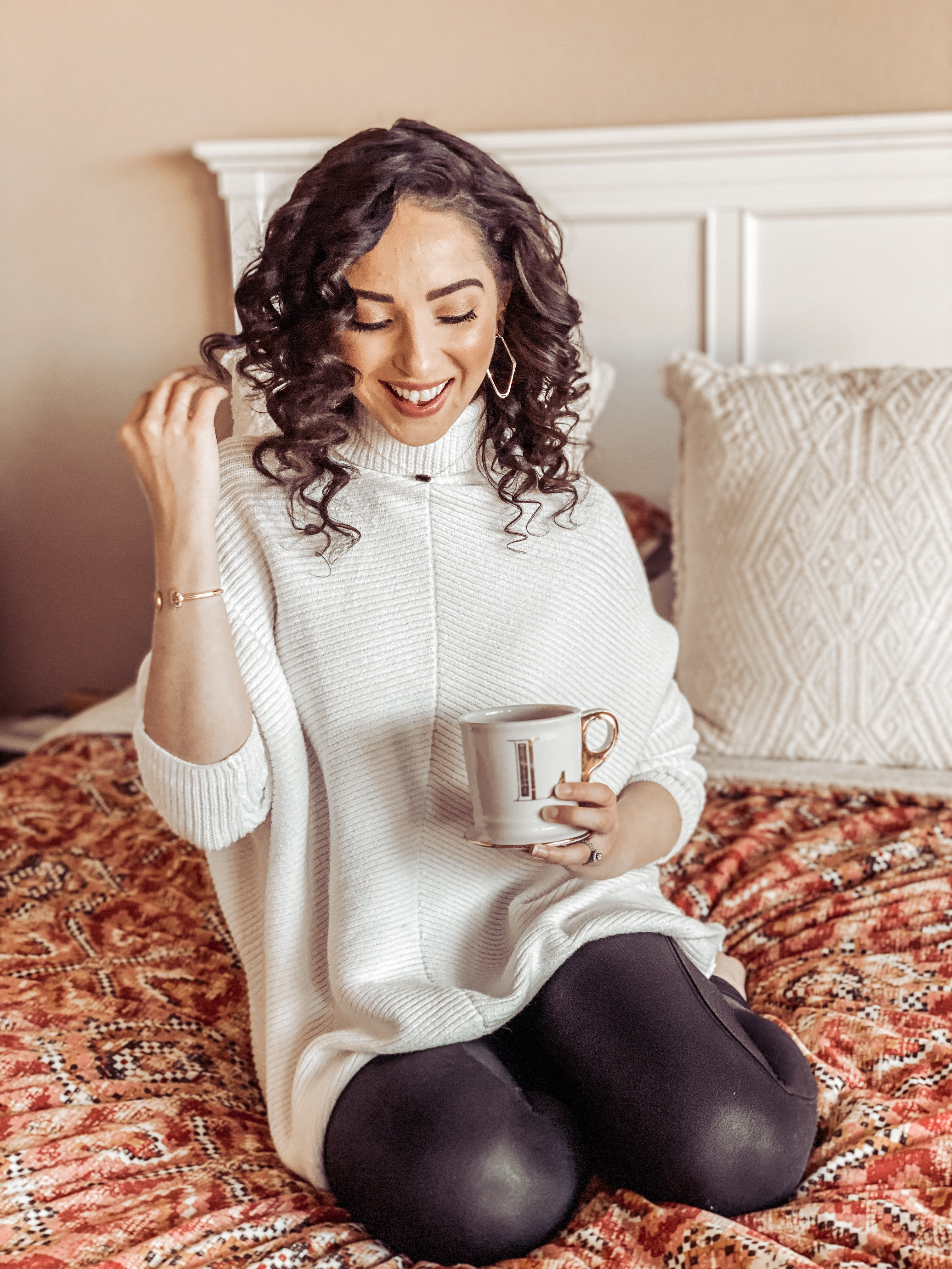 Amazon Sweater & Keurig Cinnabon Latte